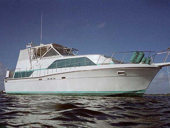 1989 Chris-Craft 381 Catalina