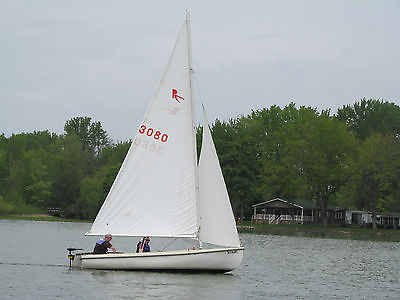 Rebel 16 Mark II Sailboat with Aluminum Trailer