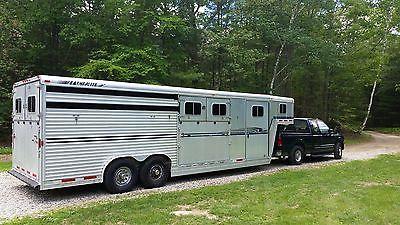 1999 Featherlight horse trailer
