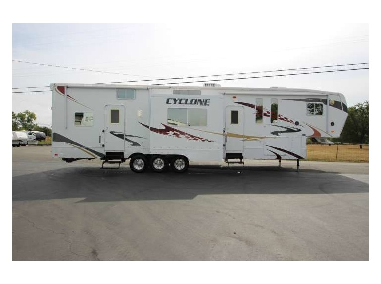 2009 Cyclone Toy Hauler Fifth Wheel Rvs For Sale