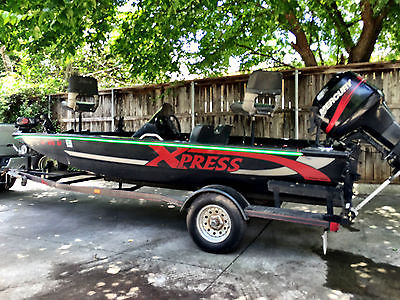 eXpress Bass Boat