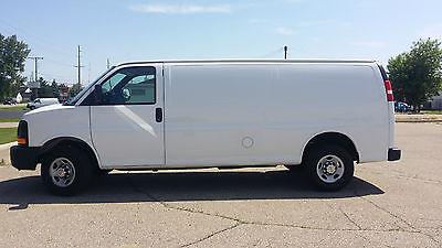 Chevrolet : Express Cargo 155