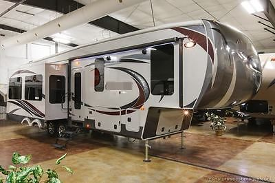 New 2015 320RS Island Kitchen Luxury King Bed 5th Fifth Wheel with 3 Slide Outs