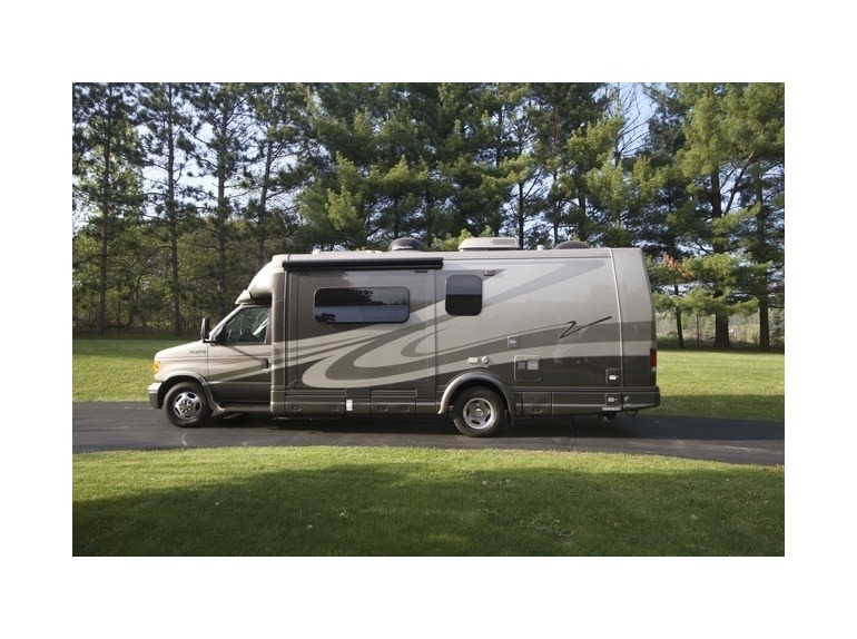 Isata Touring 250 Dynamax RVs for sale