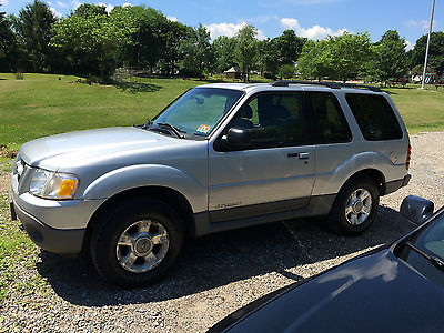 Ford : Explorer Sport SPORT CLEAN EXPLORER SPORT FULLY LOADED INCLUDING LEATHER, SUNROOF AND 6 CD PLAYER