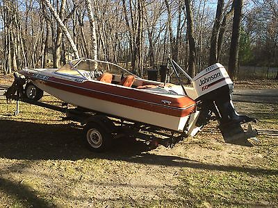 Baja Runabout All Setup For Skiing 150 hp Evinrude with Trailer