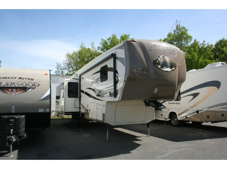 2015 Forest River Rv Cedar Creek Silverback 37BH