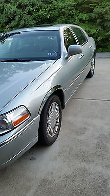 Lincoln : Town Car Designer 2006 lincoln town car designer was motor trend car show car one owner non smoker