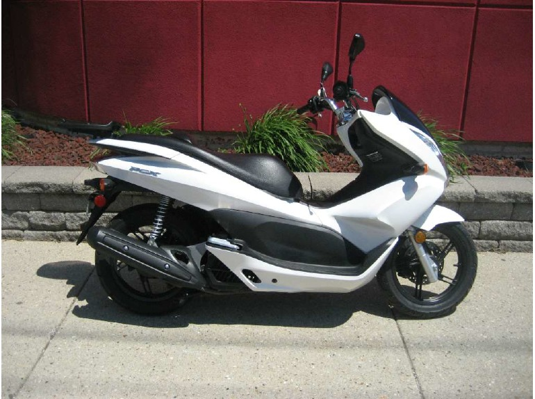 2011 honda pcx 125 scooter motorcycles for sale. Black Bedroom Furniture Sets. Home Design Ideas
