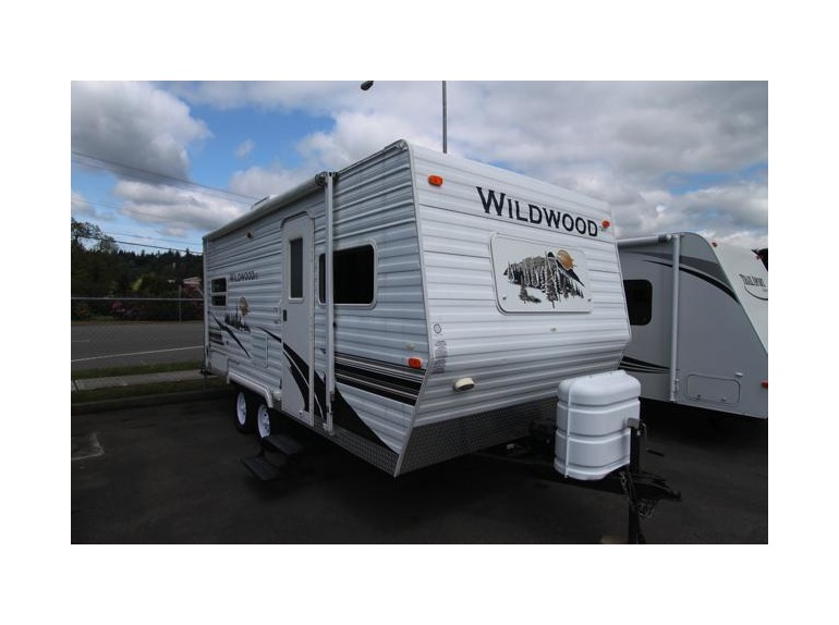 2007 Forest River Wildwood T19