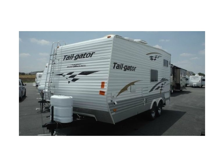 2005 Keystone TAILGATOR 210RR