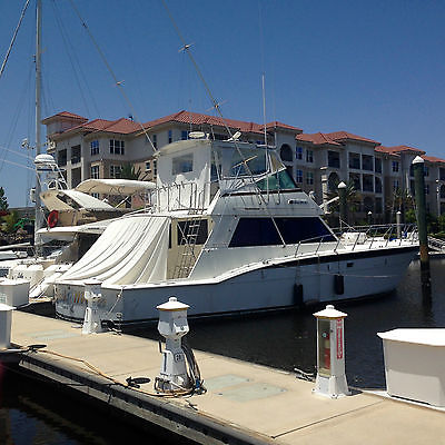 White Hatteras Sportfish highly integrated in great condition.