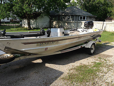 1997 Grumman 1752 Fishing Boat, Trailer and Motor Package