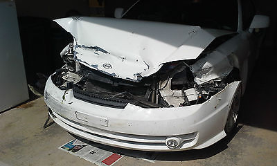 Hyundai : Tiburon GT 2004 hyundai tiburon gt 6 cylinder white wrecked motor transmission good