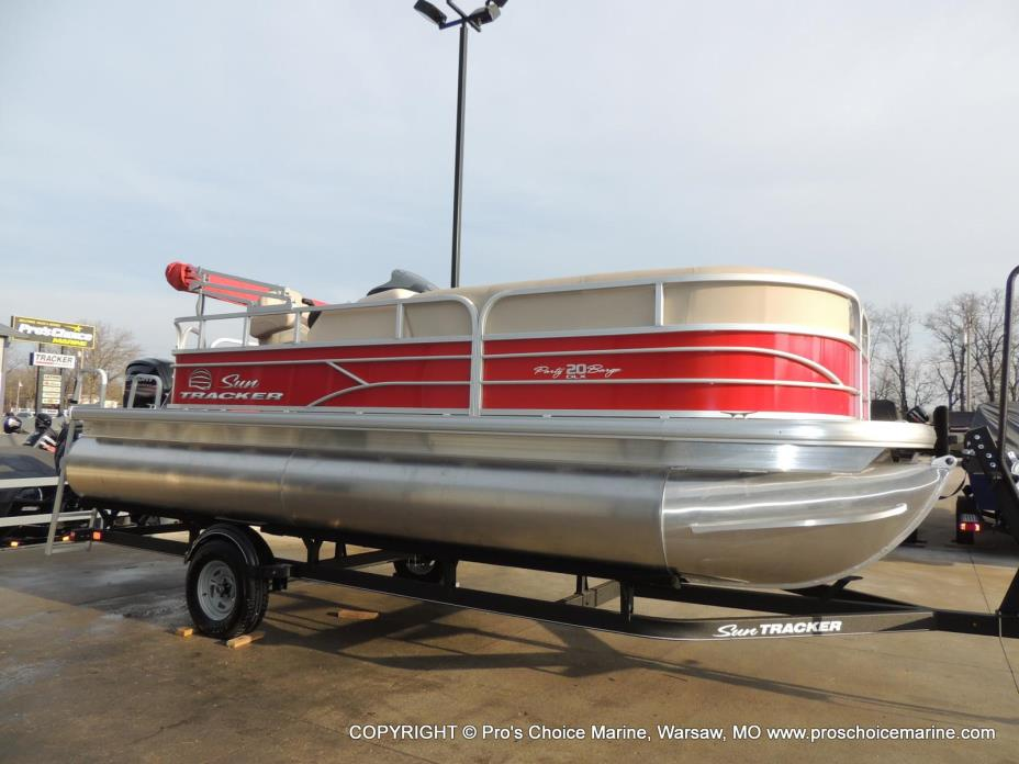 2017 Sun Tracker Recreational Party Barge 20 DLX