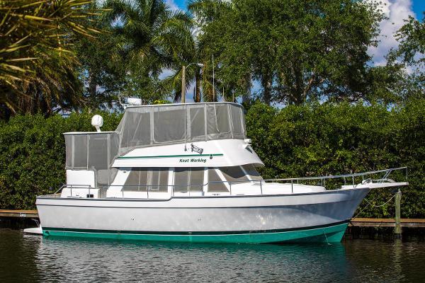 2000 Mainship 43 Motor Yacht