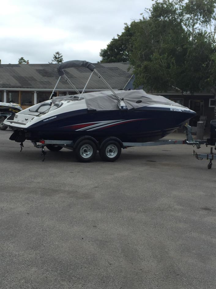 Yamaha boats for sale in new york for Yamaha sx210 boat cover