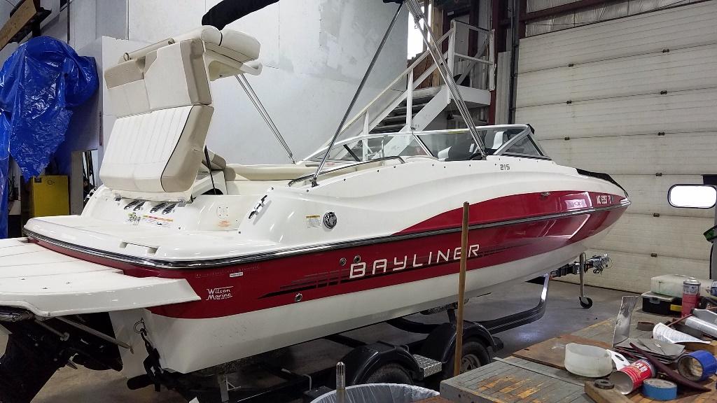 2013 Bayliner 215 Deck Boat