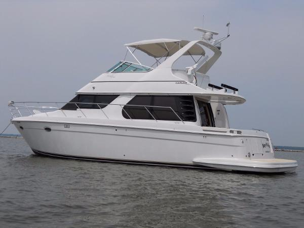 1999 CARVER YACHTS Voyager 450