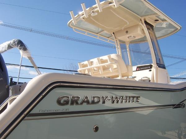2017 Grady White 236 Fisherman