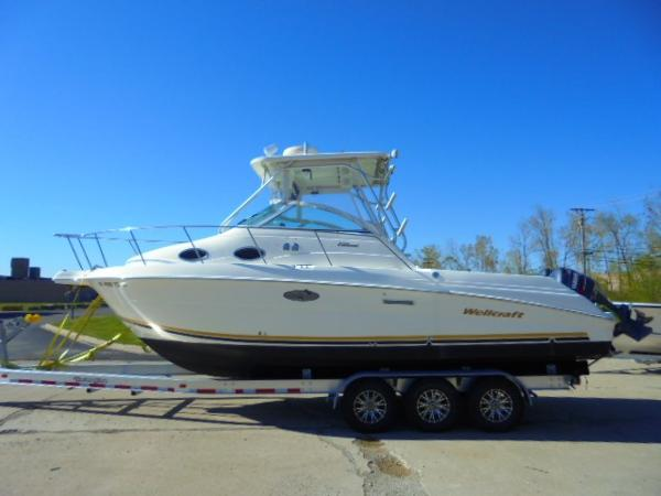 2001 Wellcraft 270 Coastal