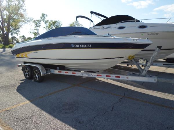 1997 Sea Ray 210 Signature BR