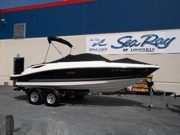 2012 Sea Ray 210SLX