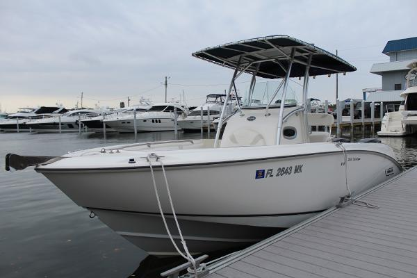 2004 Boston Whaler 24 Outrage