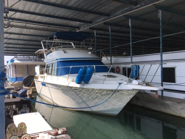 1990 Chris Craft Catalina 372 Motor Yacht