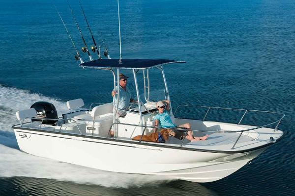 2017 Boston Whaler 210 Montauk