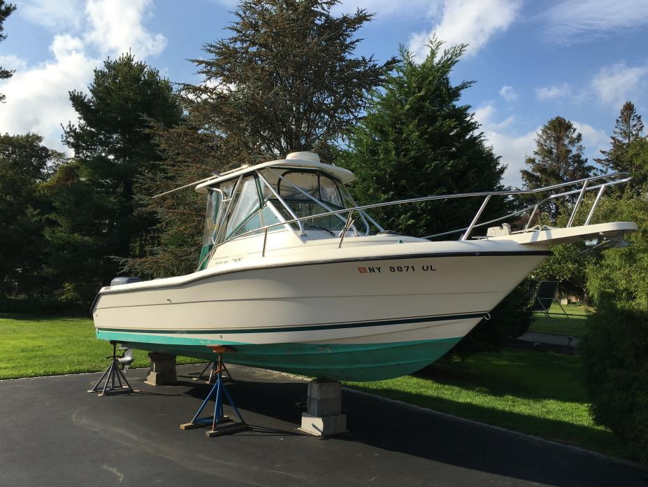 1997 Pursuit 2470 WA