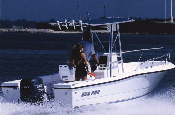 2002 Sea Pro 210 Center Console
