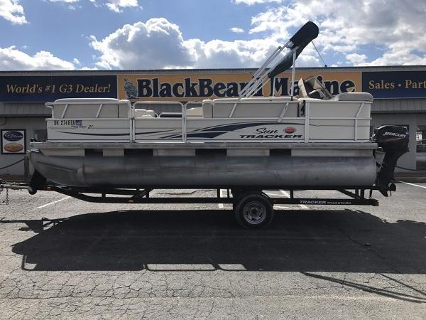 2007 SUNTRACKER Party Barge 21