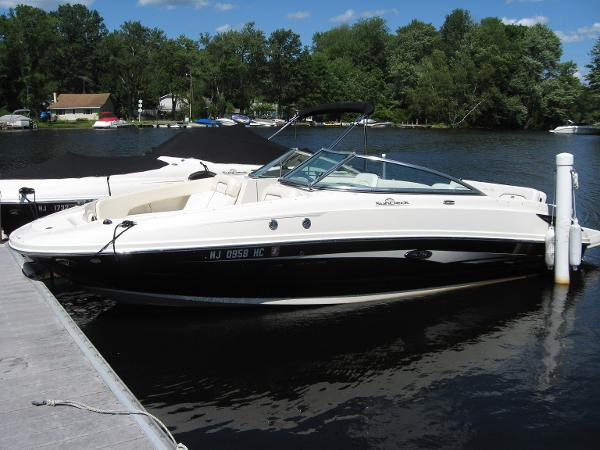 2008 Sea Ray 230 Sundeck