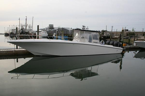 2005 Fountain 38 TE