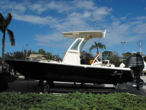 Leaning post seat boats for sale for Flounder boat air motor