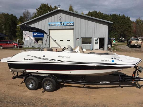 2014 Hurricane SunDeck Sport 202 IO
