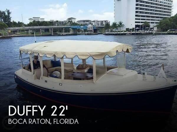 2009 Duffy 22 Cuddy Cabin
