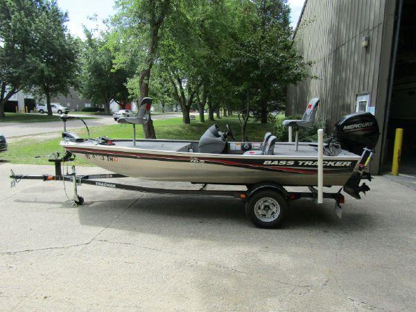 2012 Bass Tracker PRO TEAM 165