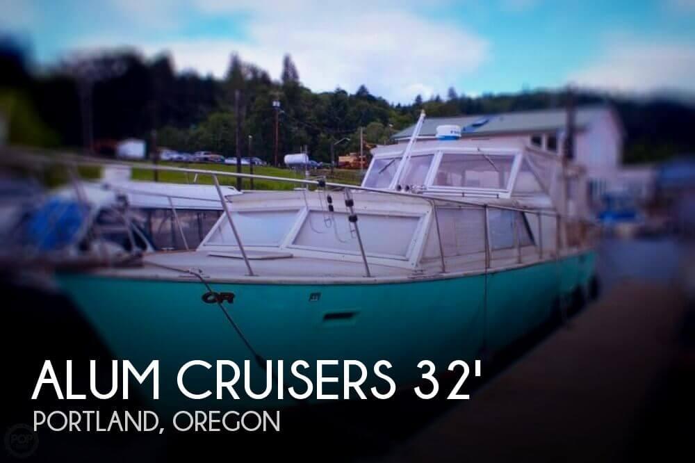 1971 Aluminum Cruisers 32 ( Marinette )