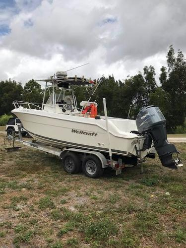 2002 Wellcraft 250 Fisherman