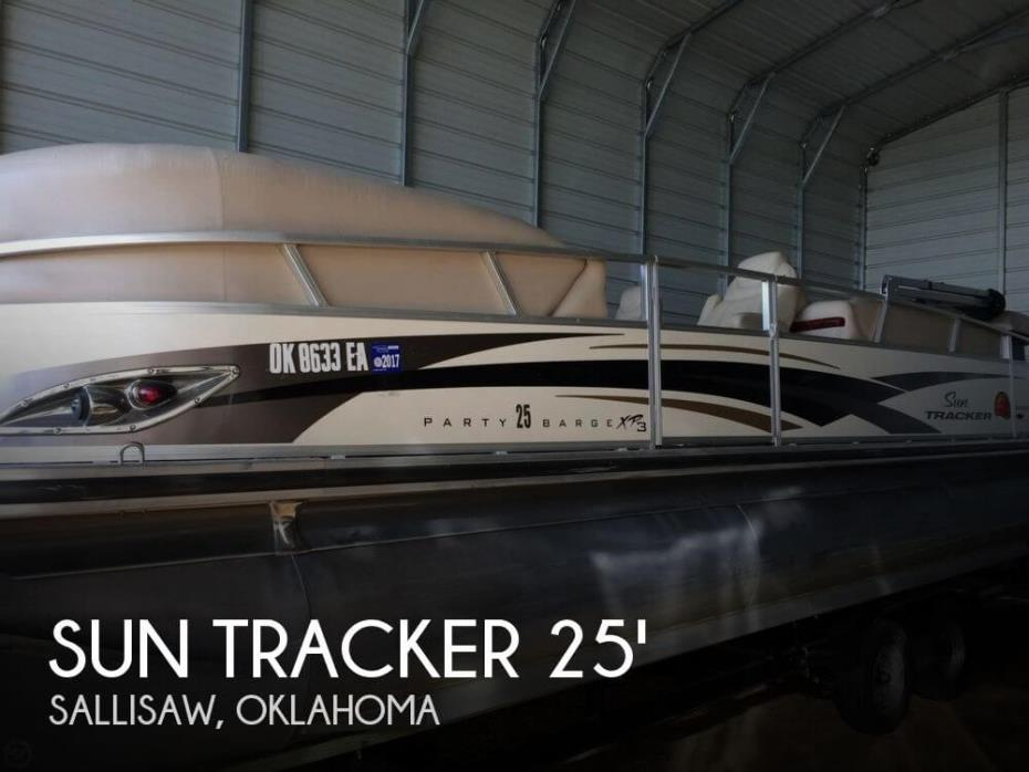 2010 Sun Tracker 25 Party Barge XP3