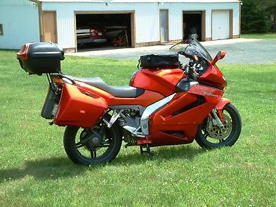 Aprilia : RST1000 Aprilia RST1000 Futura
