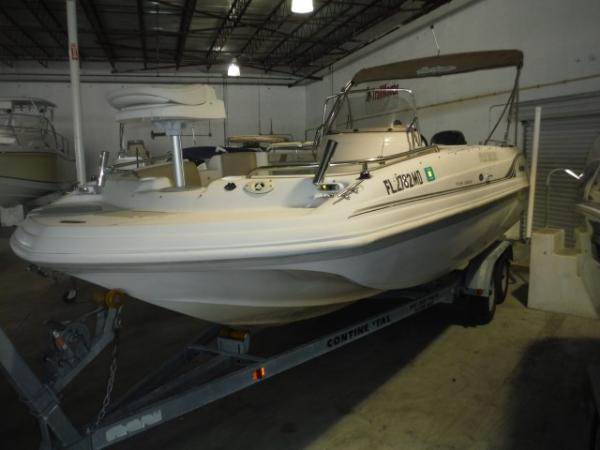2003  Hurricane Boats  GS211