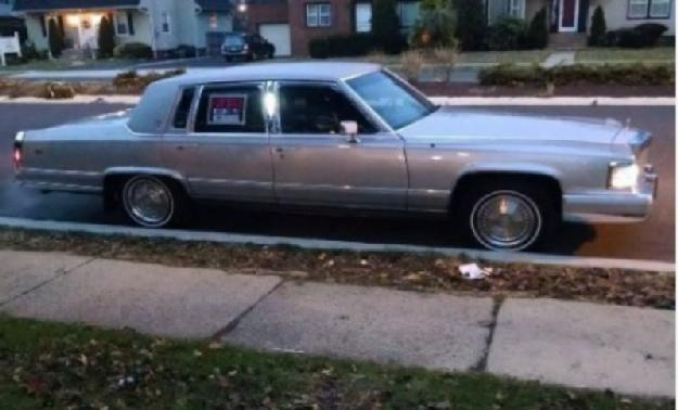 1992 Cadillac Brougham for: $9000
