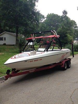 1999 Tige 2100V Wakeboard Boat V-drive