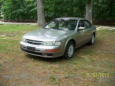 Nissan : Maxima SE quiet running very low miles only 52k nice shape 1998 Maxima sedan great 1st car