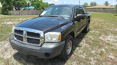 Dodge : Dakota ST Crew Cab Pickup 4-Door 2005 dodge dakota st crew cab pickup 4 door 3.7 l
