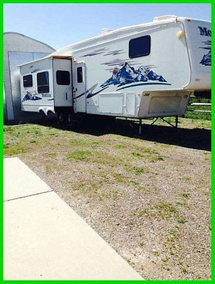 2005 Keystone Montana 38' Fifth Wheel 3 Slide Outs New Tires Hitch Arctic PKG