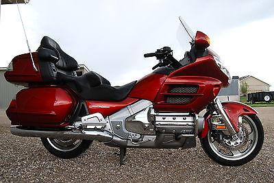 Honda : Gold Wing 2008 goldwing metallic red airbag navigation comfort audio pkg